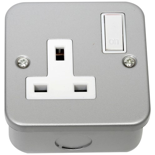 Phoenix  1 Gang Metal Clad Single Switched Socket
